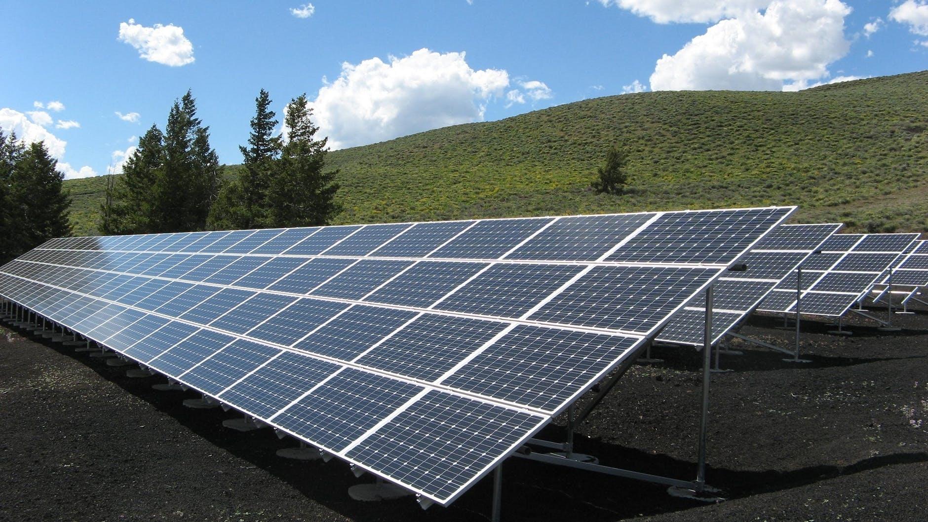Energie rinnovabili o ritorno ai combustibili fossili